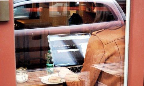 Student Laptop Berlin (DSC01171)